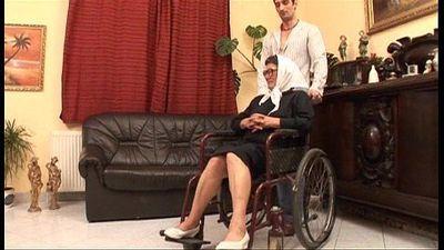 Reifen grandame und ein Enkel Ficken Sex - 4 min