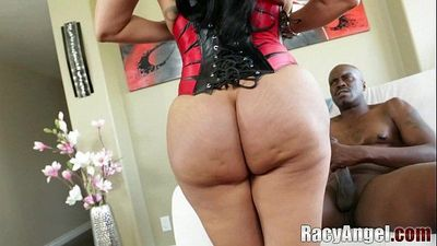 Kiara Mia Deals with Big Black Cock of Lexington Steele POVHD
