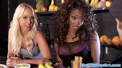Squirting blondes threeway fun with ebony palHD