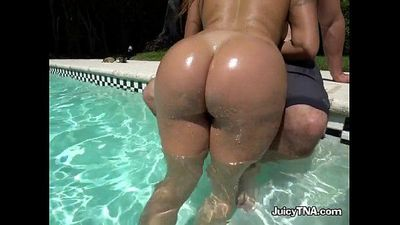 Luscious Babe Julianna Vega Devours Cock Of Pool Boy