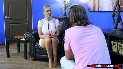 Nympho Therapist Julia Ann receives a hot massage by patient perv
