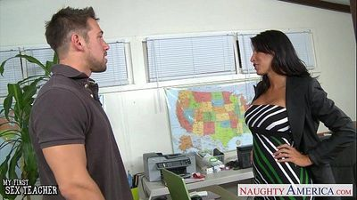 Tanned sex teacher Lezley Zen gives titjobHD