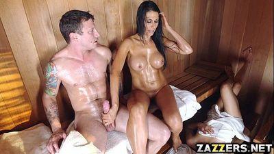 Makayla Cox fuck doggystyle by Pete pounding her pussy