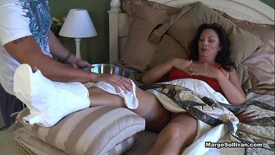 Margo SullivanMom breaks her foot