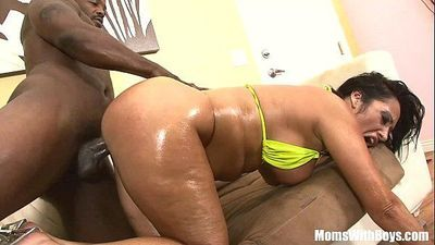 Big Ass MILF Vannah Sterling Riding And Fucking A BBCHD