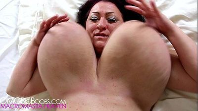 Russian BBW mature with enormous tits - 30 sec HD