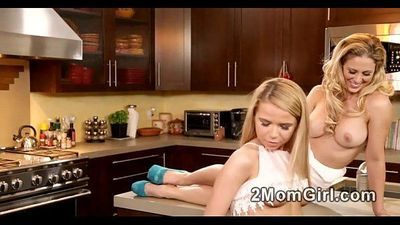 Cooking a pretty blonde girl by hot Mommy - 2 min