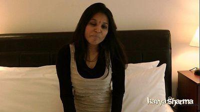 Indian Gujarati Mature Babe Kavya Sharma Big Tits Masturbation - 52 sec HD