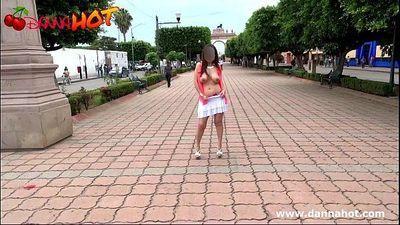 Danna HOT desnuda por las calles de León Guanajuato México - 1 min 41 sec
