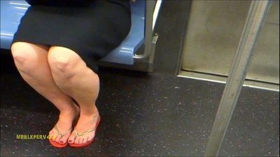 Red-Haired MILF Sexy Legs & Feet (Kinda Smelly) - 2 min