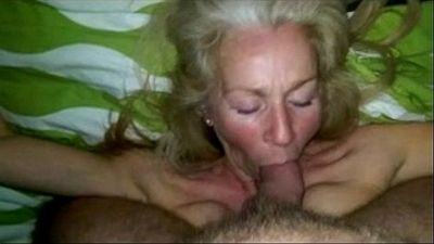 Sexdatingmilfs.net Hot sucking MILF amazing! - 7 min