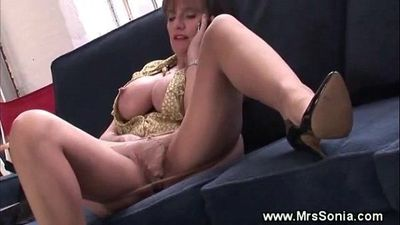 Cuckold watches fingering wife - 5 min