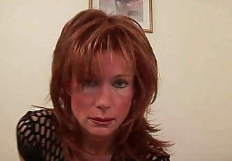 Sultry senior lady is toying her meaty pussy - 6 min HD