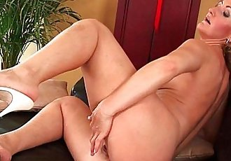 Older mom Brandy has small breasts and a hot body - 6 min HD