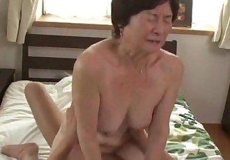 seventy five years old granny - 30 sec