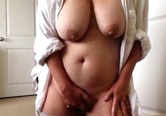Big titty mature webcam masturbation. My X-mas live webcam show: 4xcams.com - 2 min