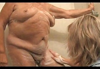 Granny 86yo is prepared to fucking of mature woman - 5 min