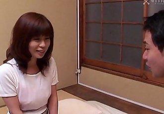 41Ticket - Japanese Cougar Sayori Mizusawa - 5 min HD