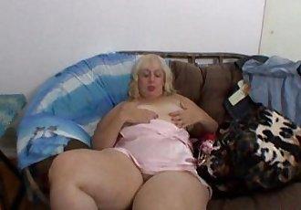 Aunt Rosa rubbing her fat cunt - 7 min