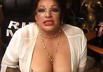 Hot mature woman on webcam with huge dildocampussygirls.com