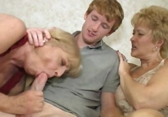 Granny get wait to fill her mouth with young meat