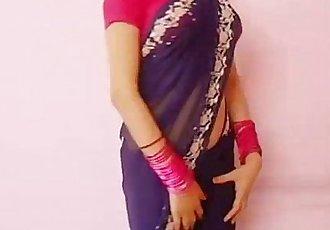 印度 女孩 教学 她的 bf 如何 要 脱衣服 - 4 min
