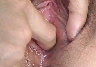 她的 第一 肛門 勘探 - 3 min