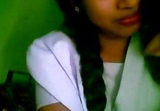 wwwindiangirlstk 印度 女朋友 业余的 接吻 彩信 丑闻 - 4 min