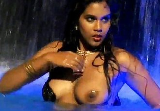 Bollywood Water Babe Ocean - 12 min