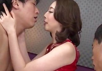 亞洲 妻子 綾 薩基 喜歡 他媽的 在 三人行 - 12 min