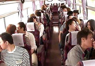 日本 青少年 groupsex 动作 辣妹 上 一个 巴士 - 8 min hd
