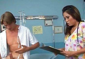 亚洲 护士 他妈的 一个 患者 - 5 min