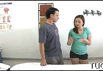 性感的 按摩 治疗师 是 很好的 在 他妈的 - 6 min