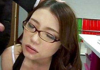 甜 Ibuki 喜欢 公鸡 从 背后 同时 在 工作 - 12 min