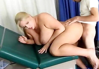 Doctor Helped to her Patient to Cum