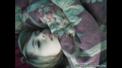 blonde teen masturbating on the floor - 46 sec