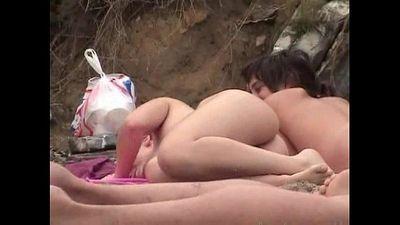 Nudist beach - 2 min