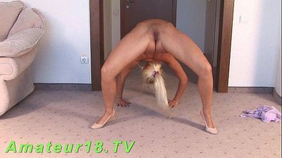 Flexible young blonde - 2 min HD