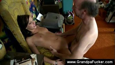 Teens demands grandpa to eat her pussy - 6 min