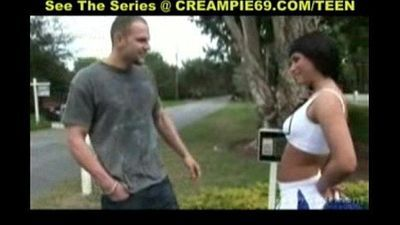 Cheerleader Gets Pregnant For Second Time - 3 min