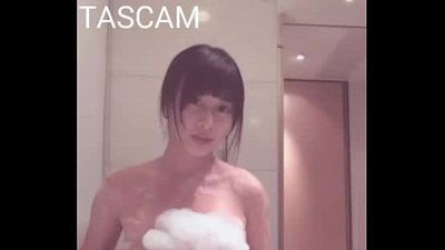 camgirl sexy shower - 1 min 34 sec