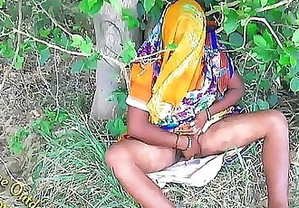 Indian Hot bhabhi enjoyed with her devar in Outdoor Village Outdoor 10 min 1080p