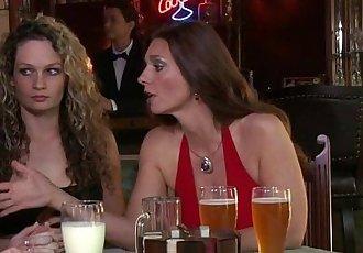 Scarlet Red and Lynn Vega Fingering Each OtherHD