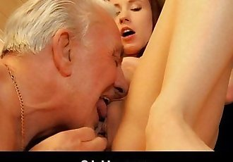 Old man receives young pussy sexual thankingHD