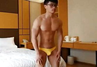 Muscular Chinese Men Jerk off