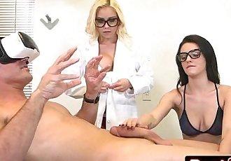2 Teen Nurses Marsha May & Kacey Quinn Give Patient Virtual Reality ExperienceHD