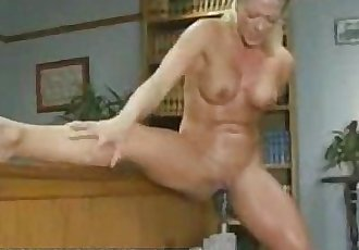Katy sex machine - 1 min 44 sec