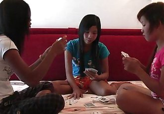 Lio, Mee and Nueng plays strippoker part I - 10 min