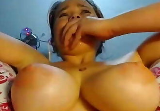 TEEN CANNOT STOP CUMMING
