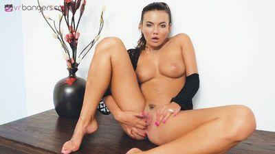 VR BANGERS-Vanessa Decker Sensual Pussy Masturbation